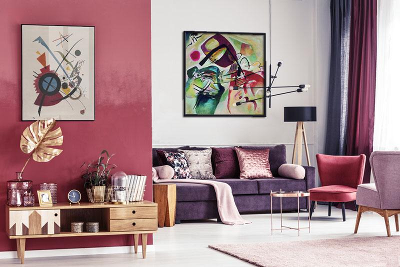 Obrazy Kandinsky'ego w salonie