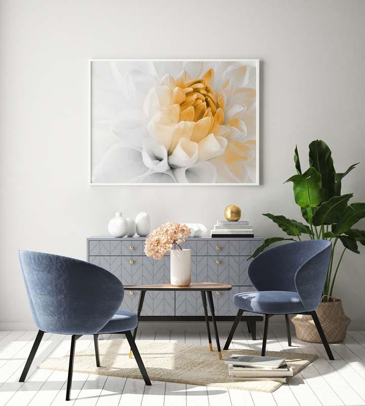 Obraz z kolorowym akcentem kwiat dalii
