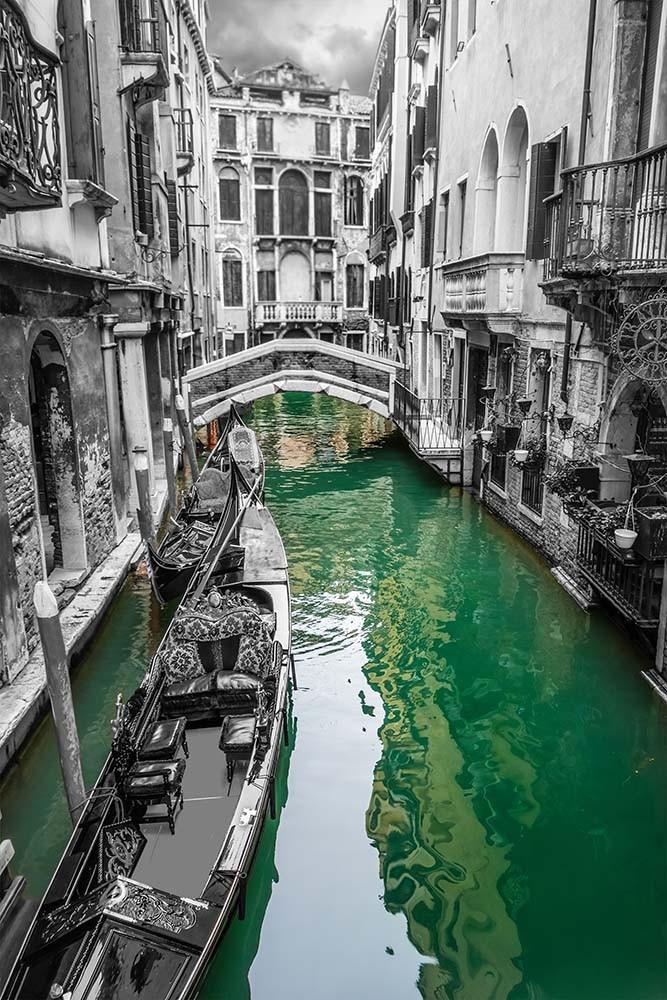 Fototapeta Czarno białe z kolorem Fotografia czrno-biała z kolorowym akcentem - Wenecja