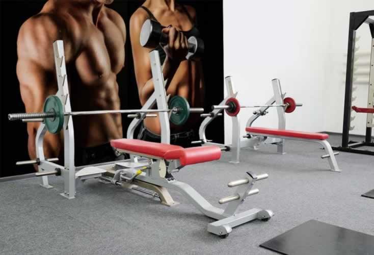 Fototapeta do siłowni: Kulturystyka - Mężczyzna i kobieta
