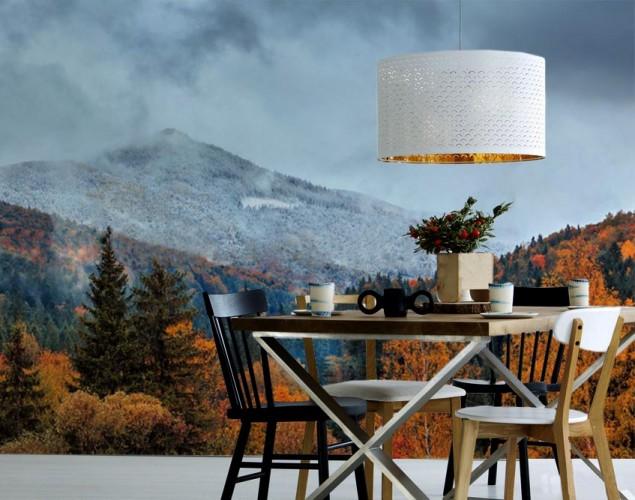 Fototapeta z jesiennym krajobrazem górskim.