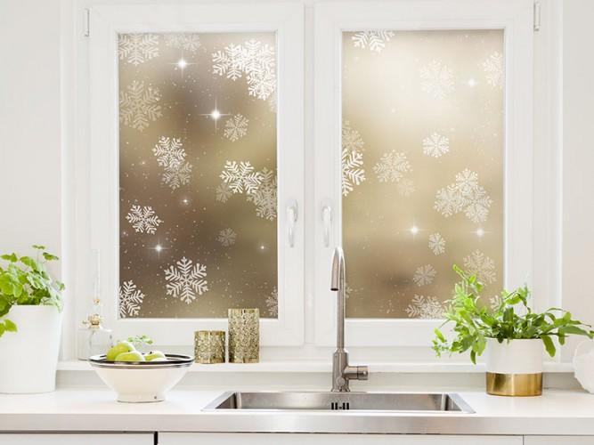 Naklejka witrażowa ze śnieżynkami na okno