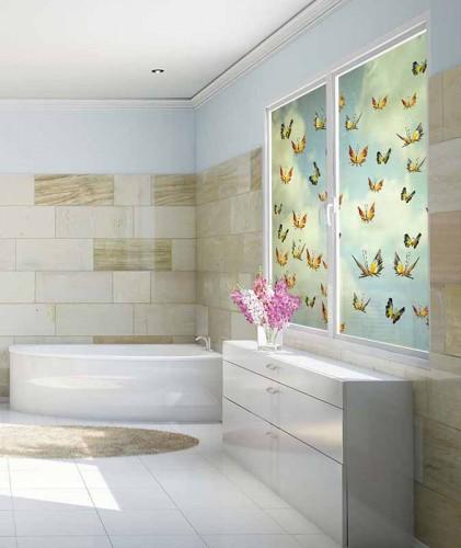 Naklejka witrażowa z motylami na okno do łazienki