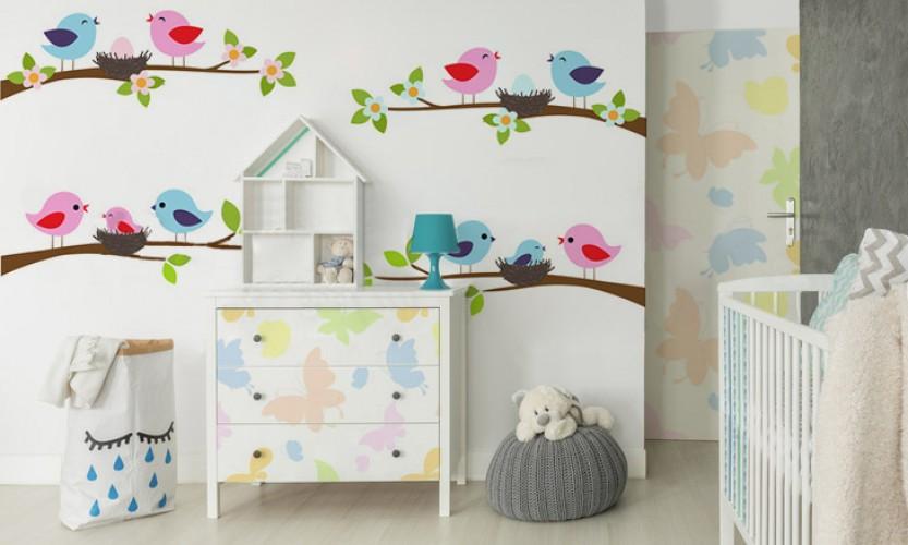 Naklejka na meble do pokoju dziecka - Motyle w delikatnych, pastelowych kolorach