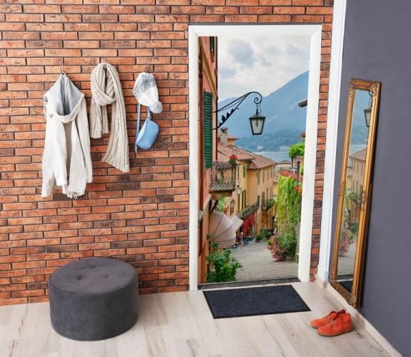 Naklejka na drzwi - Włoska uliczka, widok na jezioro Como