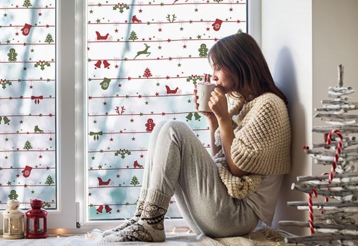 Naklejka witrażowa ze świątecznym wzorem