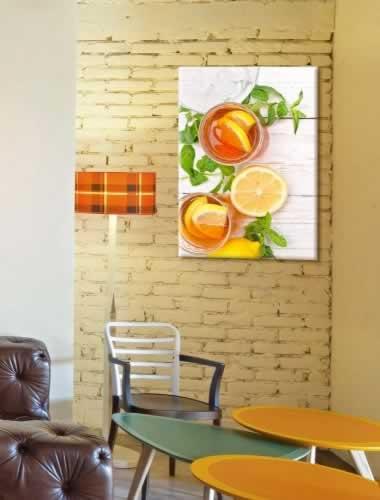 Obraz na płótnie do herbaciarni z motywem mrożonej herbaty z cytryną