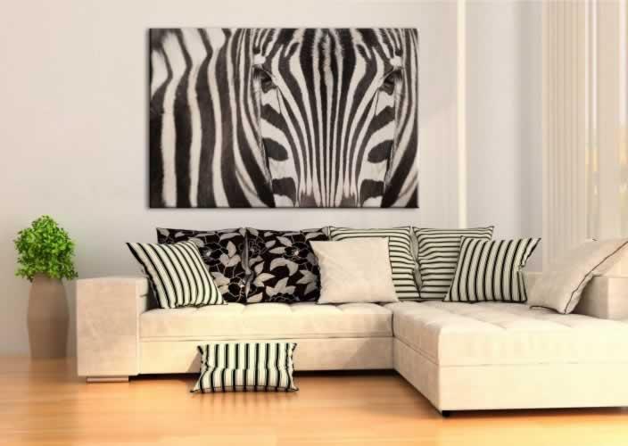 Obraz na płótnie do salonu z motywem zebry