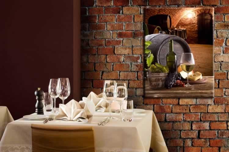Obraz na płótnie do winiarni z motywem beczki z winem