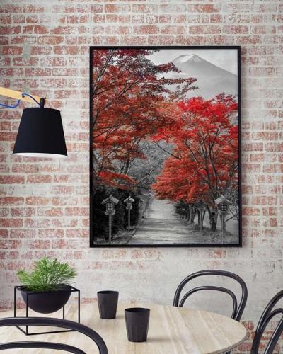 Obraz czarno-biały na płótnie z czerwonym akcentem - Góra Fuji