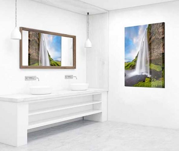 Obraz na szkle z motywem wodospadu do łazienki