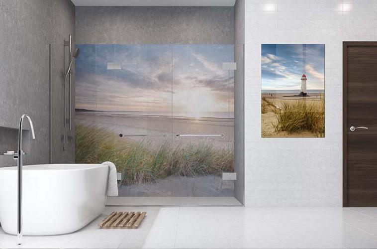 Panel szklany do łazienki z motywem zachodu słońca nad morzem