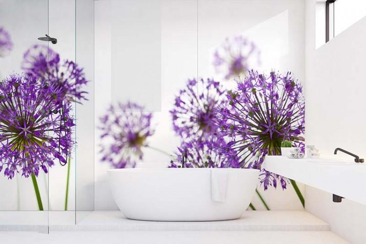 Panel szklany z fioletowymi kwiatami do łazienki