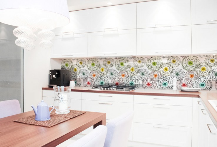 Panel szklany do kuchni z kolorowymi kwiatami