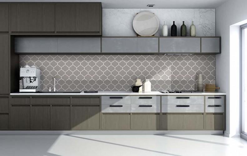 Panel szklany ze wzorem ornamentowym do kuchni