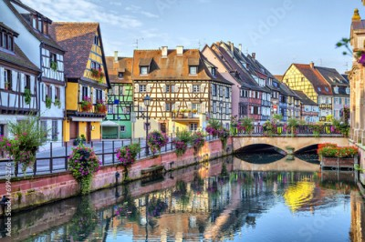 Fototapeta Colorful traditional french houses in Colmar