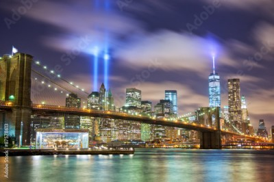 Obraz Manhattan skyline with Brooklyn Bridge and the Towers of Lights in New York