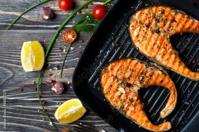 Fototapeta Grilled steaks salmon