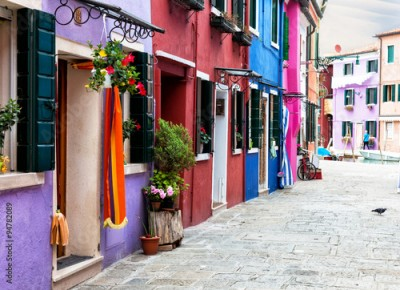 Panel Szklany street with multi-colored bright houses on Burano's island, Venice, Italy