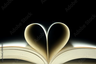 Fototapeta Book pages in the shape of a heart