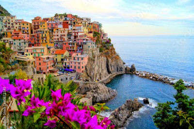 Obraz na Plexi Cinque Terre coast of Italy with flowers