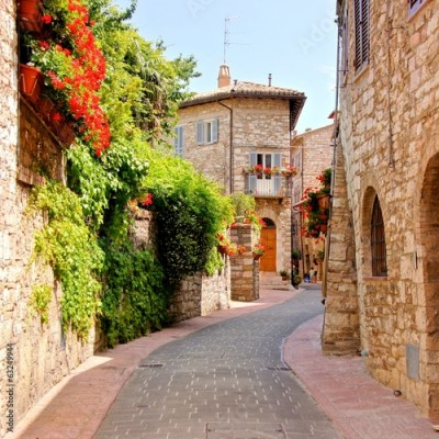 Panel Szklany Flower lined street in the town of Assisi, Italy