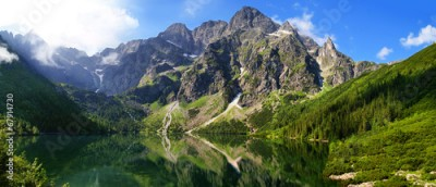 Obraz na Szkle Beautiful scenery of Tatra mountains and Eye of the Sea
