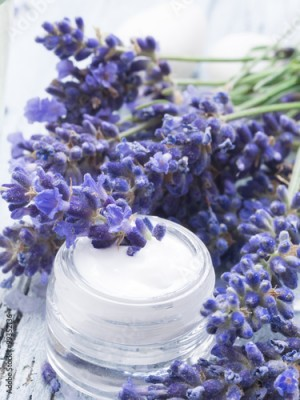 Obraz facial cream with fresh lavender
