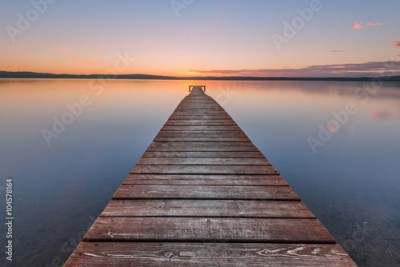 Obraz na Szkle Old wooden pier on sunset