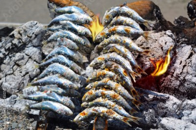 Fototapeta Sardines  to grilled on the beach in Malaga Spain