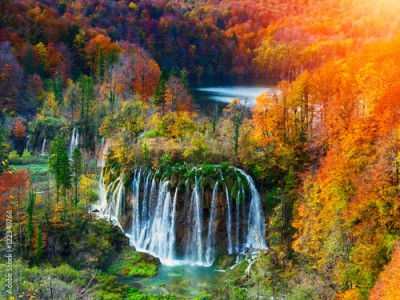 Obraz Amazing waterfall and autumn colors in Plitvice Lakes